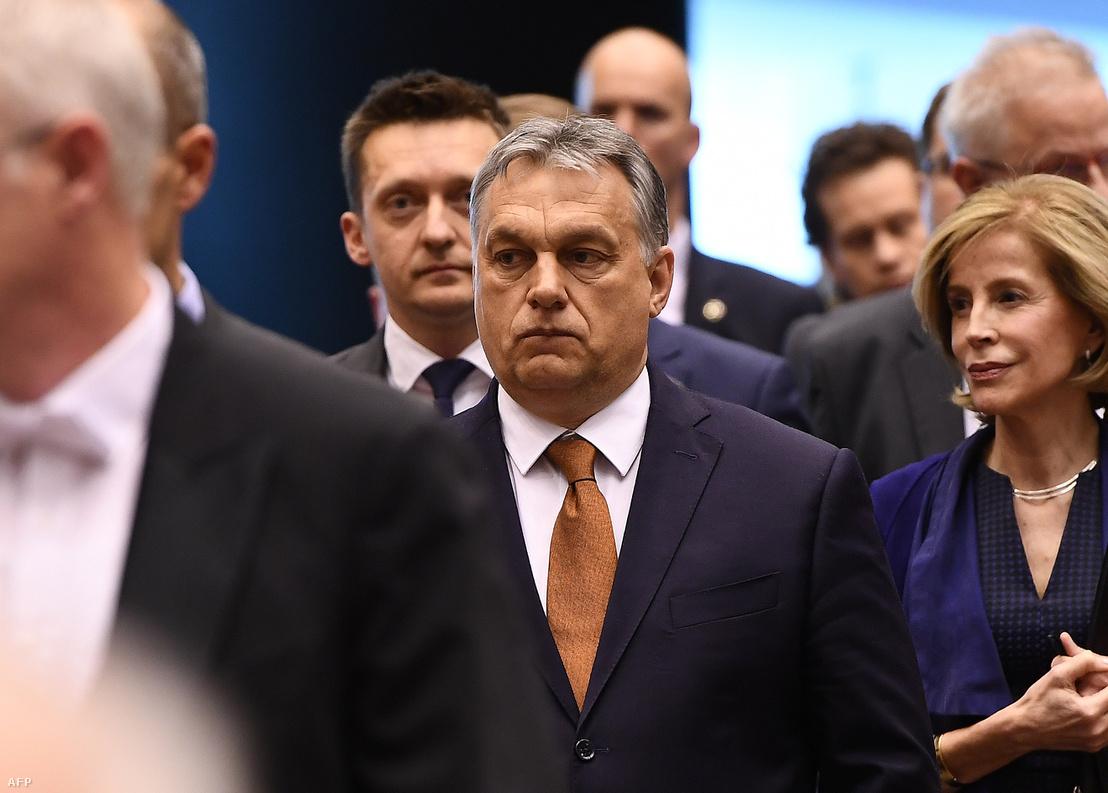 Orbán Viktor az Európai Parlament április 26-i ülésére érkezik