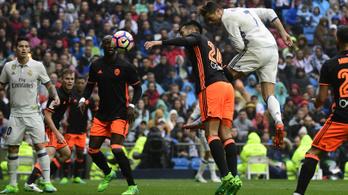 Ronaldo egyszer a csúcson, majd maga alatt