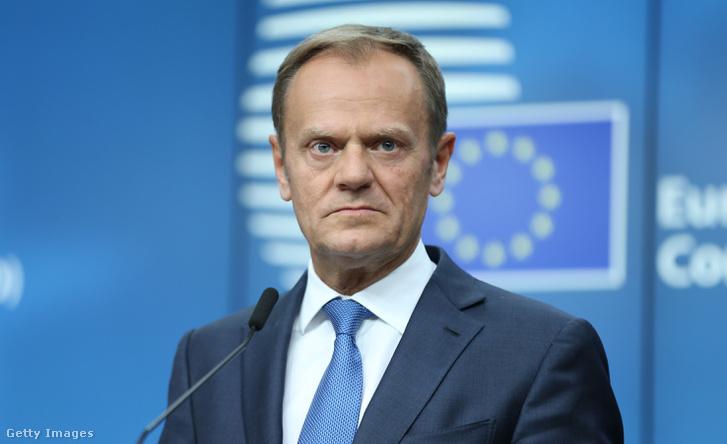 Donald Tusk, az Európai Tanács elnöke a szombati csúcs utáni sajtótájékoztatón