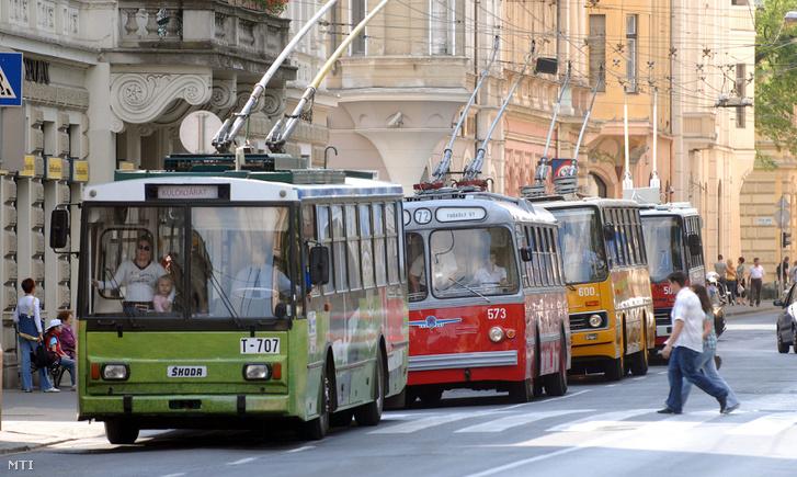 Trolibuszos felvonulás 2009-ben, amikor a kerek 30 éves évfordulót ünnepelték Szegeden