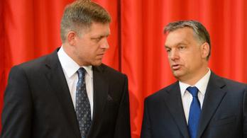 Orbán után Ficónak is gyanúsak a civilek