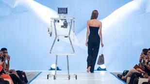 Robotok és franciák a kifutón