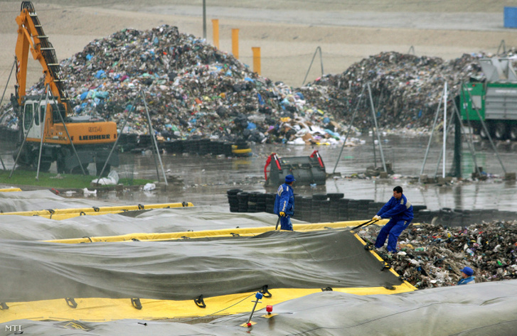 A Győr-Sashegy Hulladékkezelő Központ egyik hulladékudvara