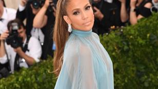 Jennifer Lopez kék sátor akart lenni, és az is lett