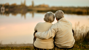 Az igazi szerelmünk lapjai: percekkel halt Alzheimeres felesége után a férfi