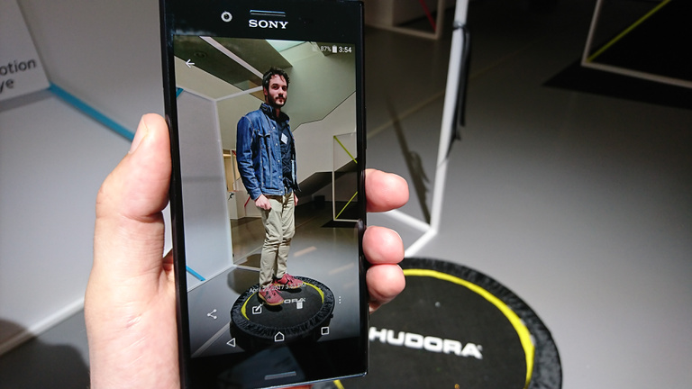 Villámként csap le a Sony Xperia XZ Premium kamerája