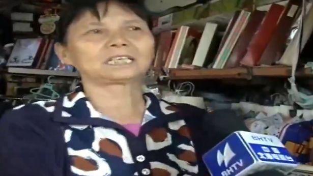 """Édesanyja azt mondta, hogy férjével """"vonakodva"""" döntöttek fiuk bezárása mellett"""