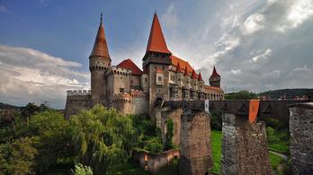 Bent maradt látogató vihette el a bevételt a vajdahunyadi várból