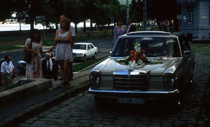 Barátoknak volt párszor esküvői autó is