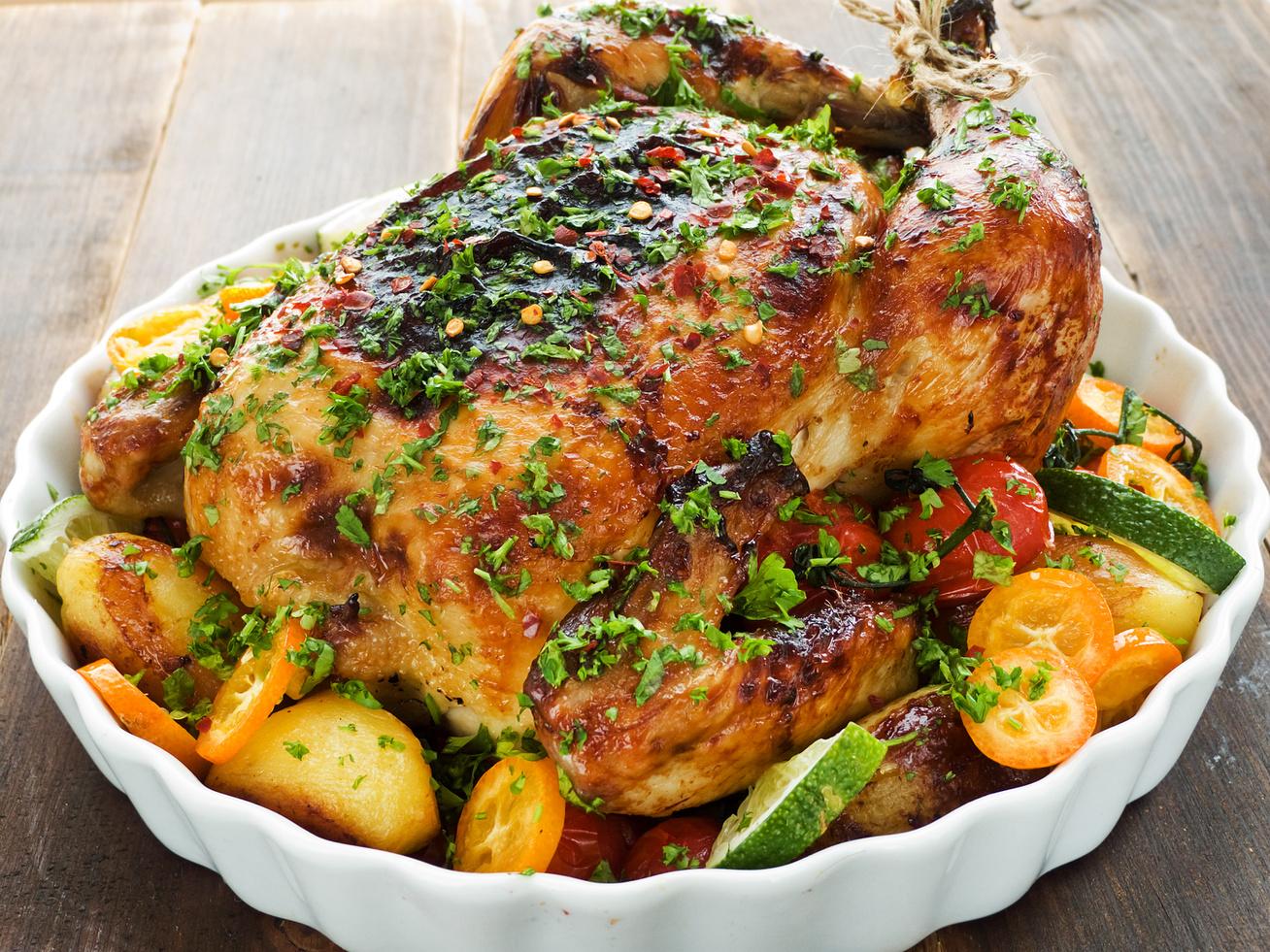 zoldsegagyon-egeszben-sult-csirke