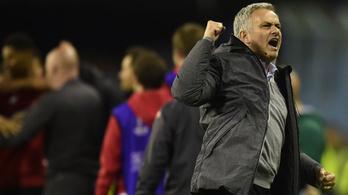 A szabadrúgás, amit futva ünnepelt Mourinho