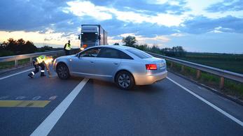 Csúnyán összebalhézott az audis a furgonossal Győrnél