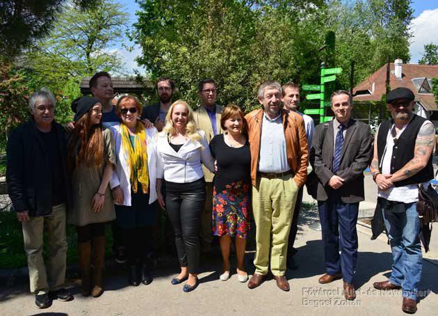 A Zenés állatkerti Esték sajtótájékoztatóján résztvevő művészek