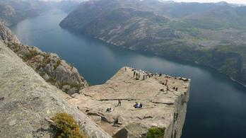 Norvég fjordot ne Google Mapsszel keressen