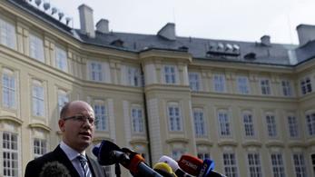 Mégsem mond le a cseh kormányfő