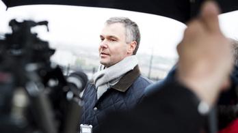Fidesz: Aki mondja másra, az mondja magára