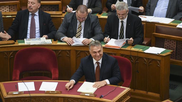 Orbán Viktor az azonnali kérdések órájában