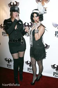 Khloe és Kim Kardashian