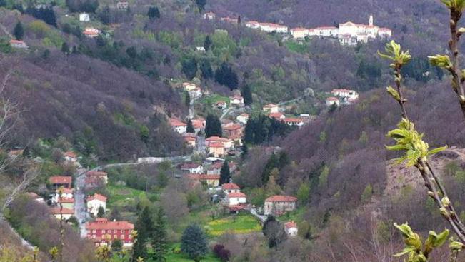 Bárkit szívesen lát az olasz hegyi falu, és még pénzt is ad mellé