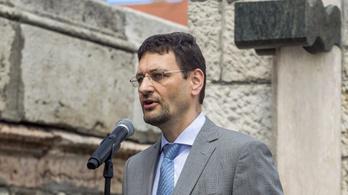 Két hivatali autót is kapott az önkormányzattól a fideszes polgármester