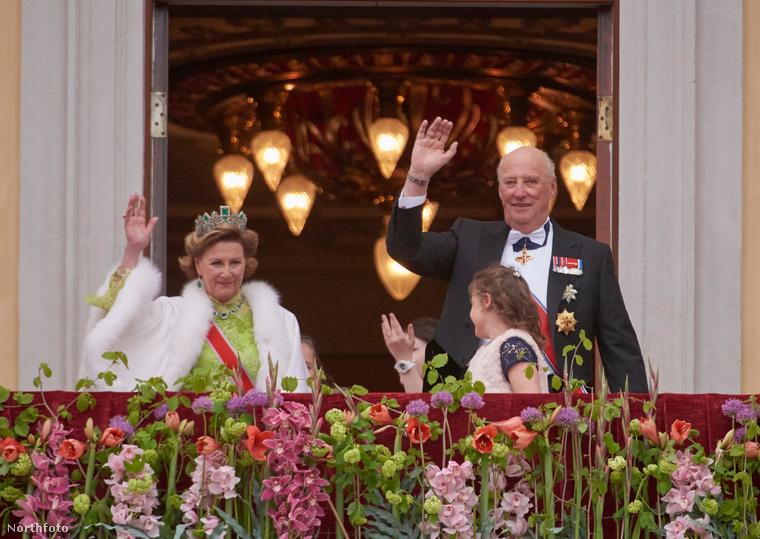 Az ünneplés azonban folytatódott: május 10-én egy királyi hajóúttal és ebéddel köszöntötték a születésnaposokat, este pedig a norvég Operaház lepte meg a házaspárt egy díszvacsorával