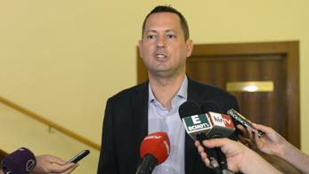 A magyar titkosszolgálatok nem tudnak arról, hogy Orbán zsarolható lenne
