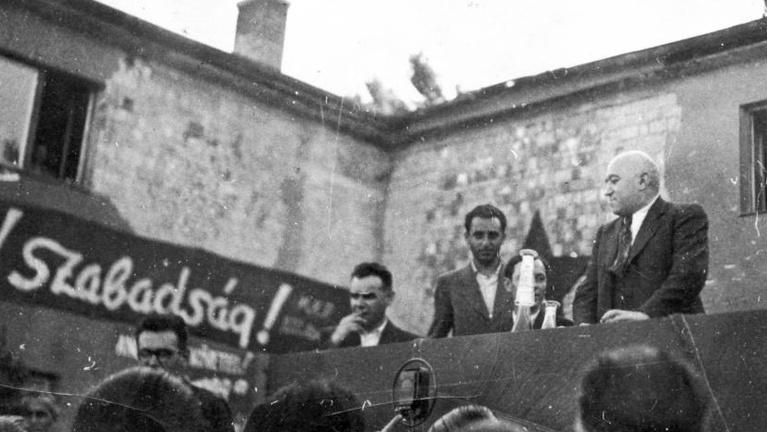 A szabad sajtó felszámolása: időtálló leckék Rákositól