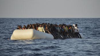 Ötszáz migránst küldött vissza a tengeren az olasz parti őrség