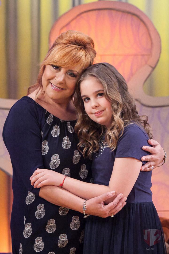 Szulák Andrea és lánya a Vigyázat, gyerekkel vagyok! című műsorban.