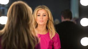 Paris Hilton azt mondja, ő találta fel a szelfit