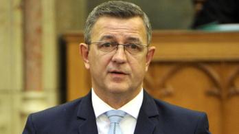 Jobbikos: Tisztességes háztartásban pofon jár a hazudozásért
