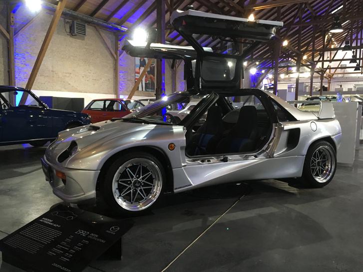 Kis csalás az Autozam AZ-1: ez egy Suzuki, de Mazda néven is forgalmazták. Eddig csak képen láttam