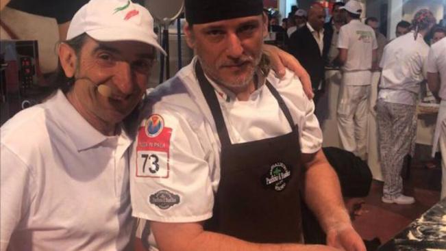 A világ legjobbjai közé jutott a magyar pizzakészítő