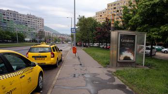 Az utcabútor lesz az új óriásplakát