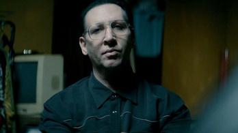 Marilyn Manson bérgyilkosként is a frászt hozza ránk