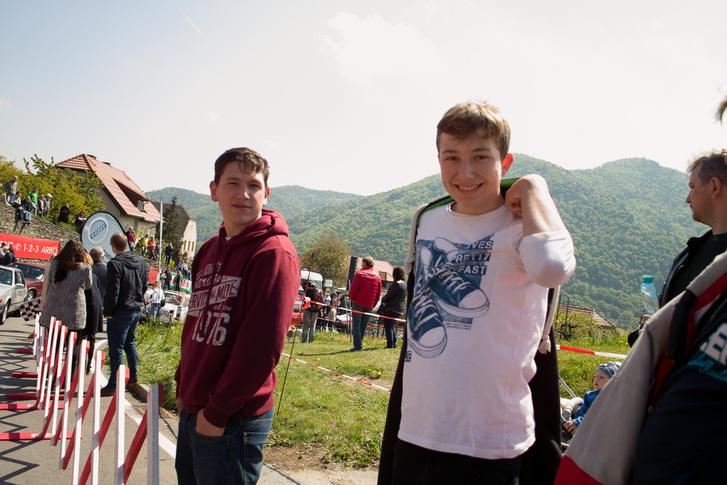 Keresztfiam Gergő és bátyja Máté, izé, jobbról balra, de ők úgyis tudják, az olvasók meg úgyse fogják megjegyezni