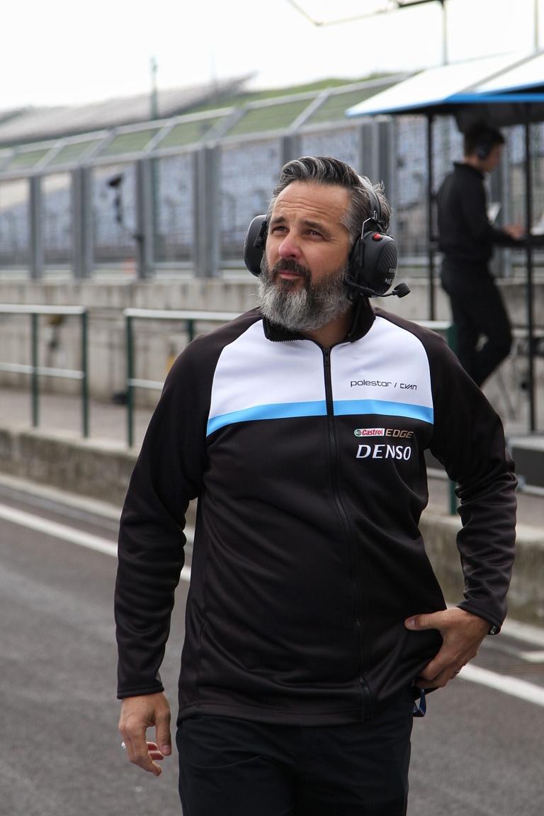 """Yvan Müller, az egykori """"közönségkedvenc"""" ezúttal nagypapás fazonban tolta, immár Volvo-színekben osztja az igét és kamatoztatja eddigi tapasztalatait"""