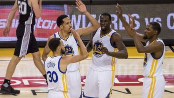 Curryék 25 pontos égésből álltak fel