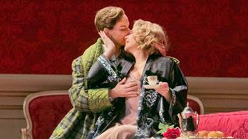 Így fogadta a tapsot az utolsó Rózsalovag után Renée Fleming