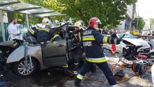 Amit a tűzoltók műveltek a Dózsa György úti balesetnél, azt hívják emberfelettinek