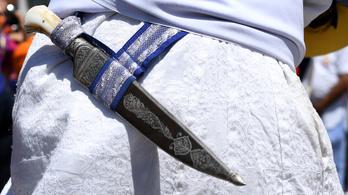 Megtiltották egy szikh férfinek a vallási jelképként hordott kése viselését