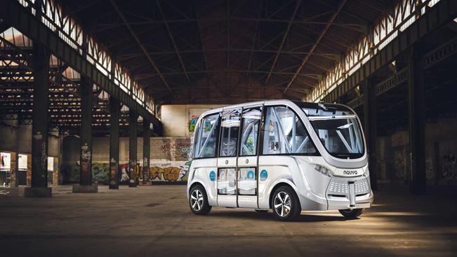 Hamarosan vezető nélküli buszjárata lesz Bécsnek
