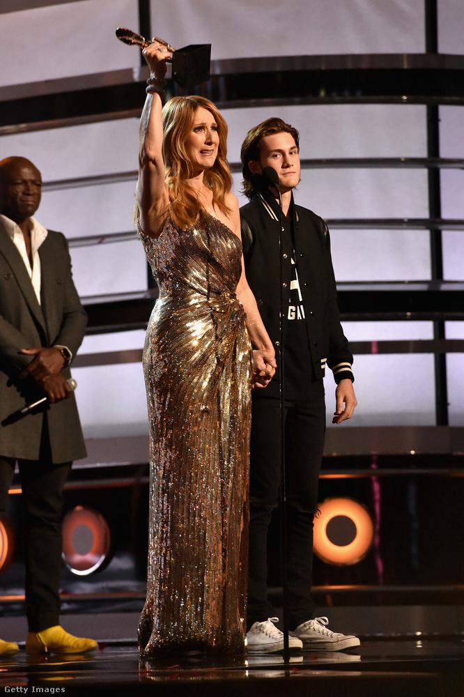 Az idei gálán Celine Dion újra előadja majd a Heart Will Go On című dalát a 20 éves évforduló alkalmából