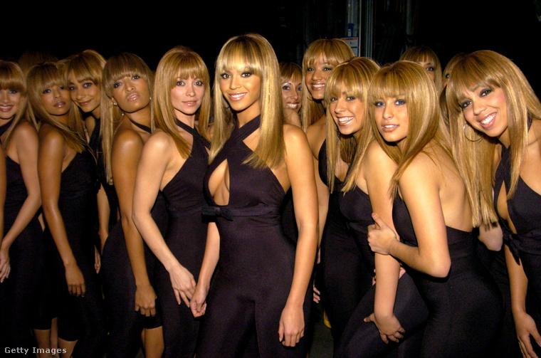 Na és Beyoncé emlékezetes előadása megvolt 2003-ból? A jelenleg éppen ikreket váró énekesnő úgylépett fel, mintha klónoztatta magát, és több tucat hasonmásával jelent meg a gálán.