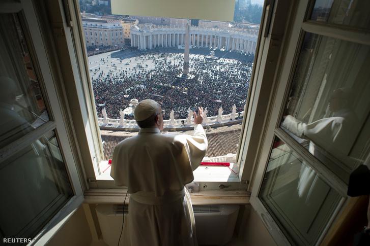 2017-01-29T133128Z 1707622306 RC1150E42A00 RTRMADP 3 POPE-ANGELU