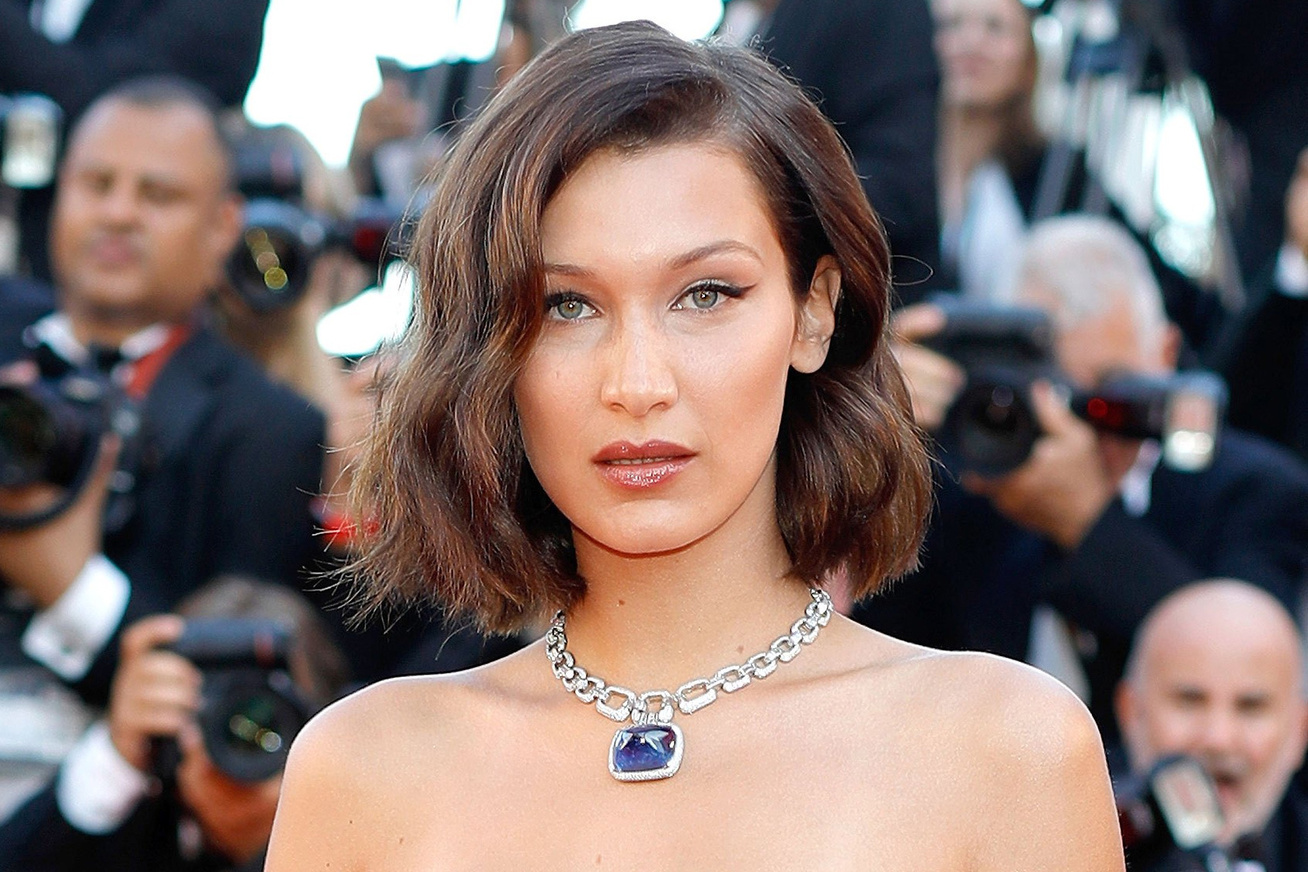 bella-hadid-cannes-2017-villantas-cover