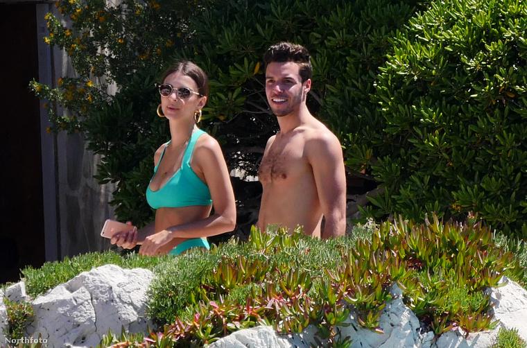 A modell egyébként a Hotel du Cap Eden vendége volt.