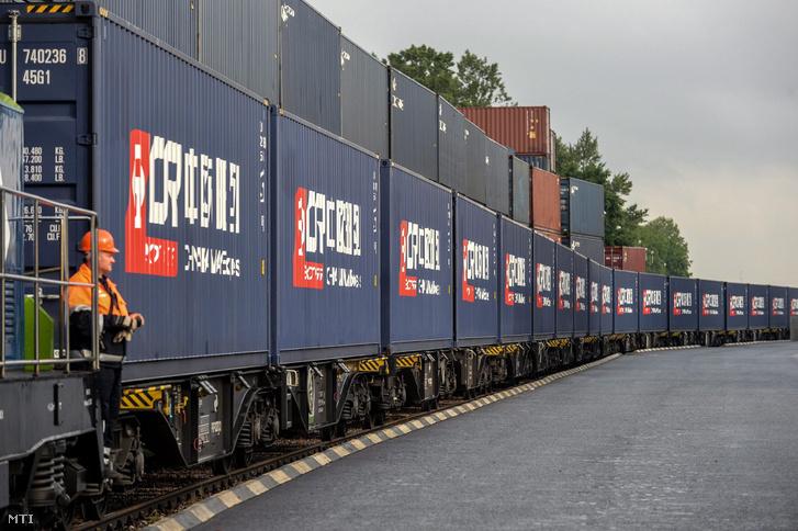 Kínai konténerek érkeznek Lengyelországba
