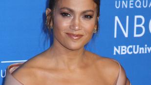Jennifer Lopez és testőrei miatt rengeteg embernek kellett sorban állnia