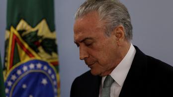 Nem mond le a korrupciós ügybe keveredett brazil elnök